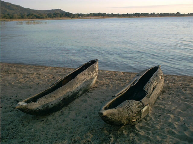 Holzboote am Lake Malawi